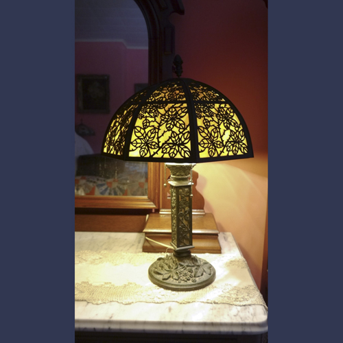 Bradley & Hubbard arts and Crafts Mission Table Lamp